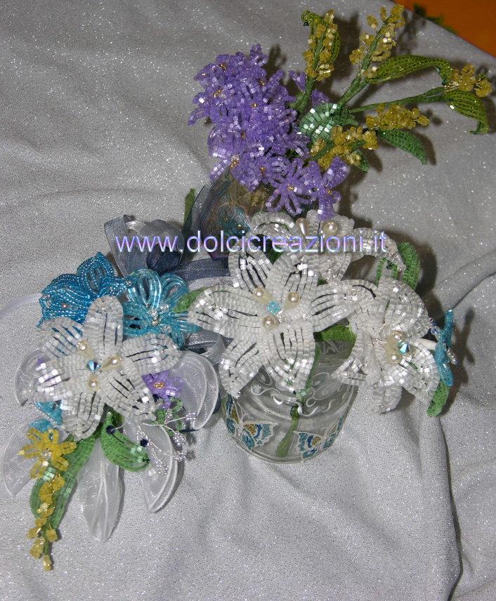 Questi sono realizzati con perline in fibra di vetro satinate