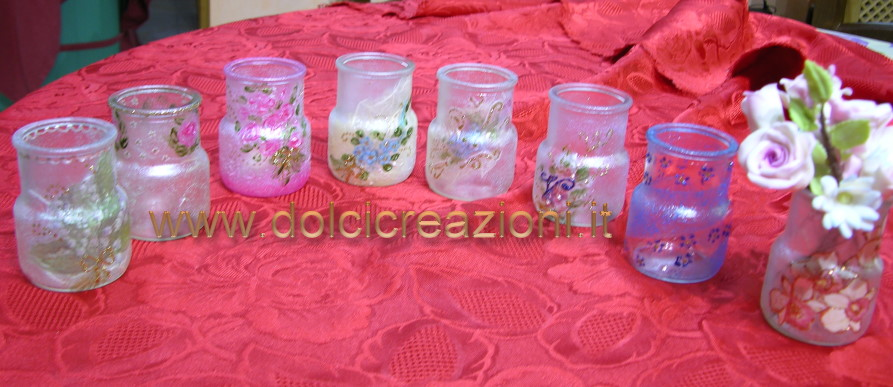 vasetti di vetro decorati a mano